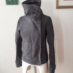 Lululemon size 2 Audrey bomber tweed jacket